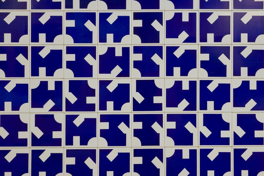 C_mara dos Deputados Posto de Sa_de Painel de Azulejos Arq Oscar Niemeyer 1972 (Foto Edgard Cesar