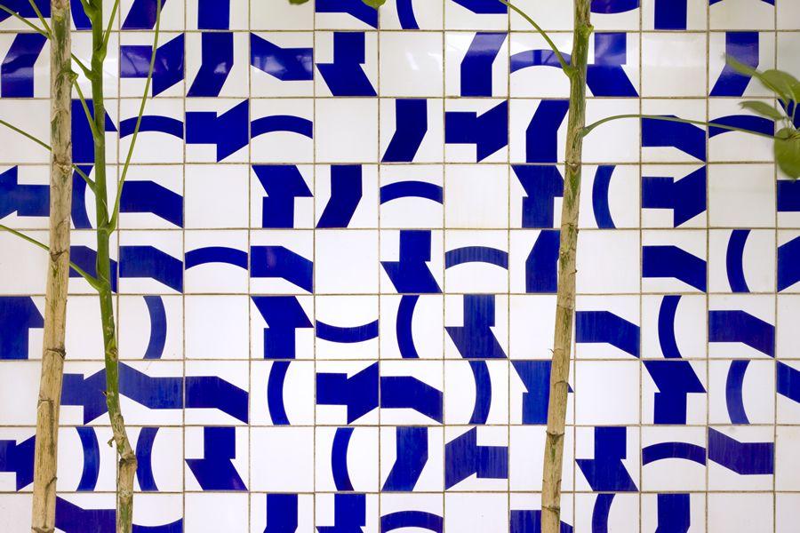 C_mara dos Deputados Salao Verde (jardim interno) Painel de Azulejos Arq Oscar Niemeyer 1971 (Fot