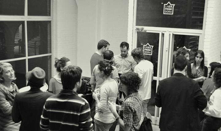 Gente, en algún evento organizado por LA EXPRIMIDORA.