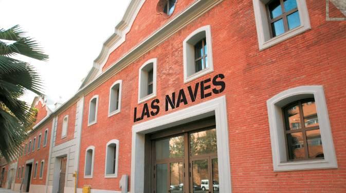 Fachada de Las Naves, en Valencia.